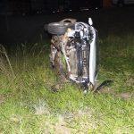 Condutor perde o controle e capota carro na PR-180