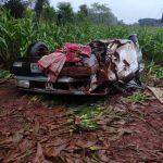 Três feridos em capotamento de carro na PR-280